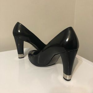 Stuart Weitzman Patent Leather Black Pumps 10